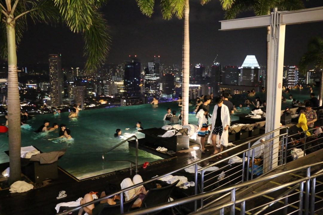 Singapur_Marina_Bay_Sands_Infinity_Pool_thebraidedgirl