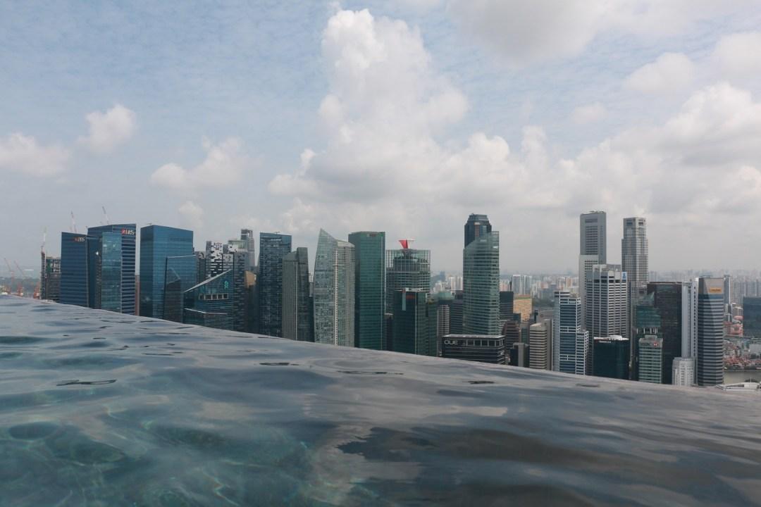 Singapur_Marina_Bay_Sands_Infinity_Pool_4_thebraidedgirl