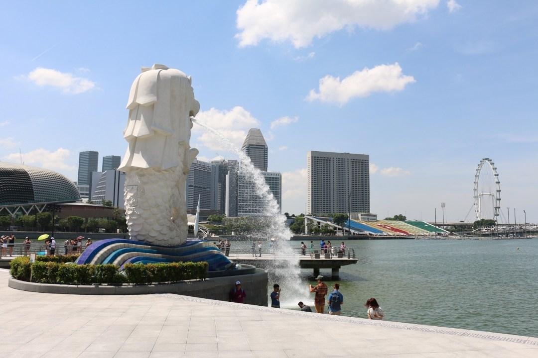 Singapur_Skyline_Merlion_5_thebraidedgirl