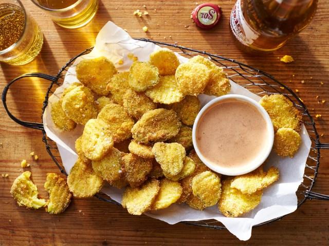 fried-pickle-chips-2515904.jpg