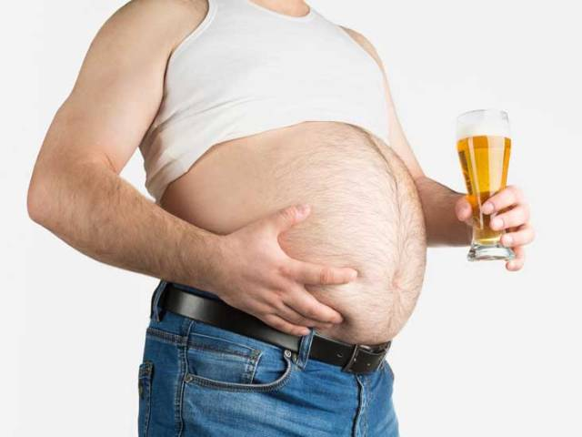 """According to """"Research"""", Beer Bellies And Muffin Tops Cause Brain Shrinkage"""
