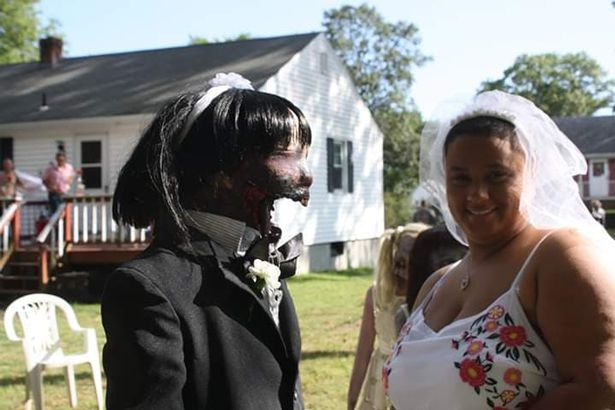 0_GIRL-MARRIES-ZOMBIE-DOLL-1