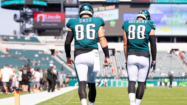 Eagles TE Put on Reserve/COVID List, Most Likely Out for TNF vs Bucs