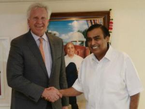 GE CEO Jeff Immelt with RIL Chairman and Managing Director Mukesh Ambani
