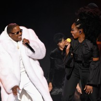 LAS VEGAS, NV - NOVEMBER 06: Recording artists Ma$e (L) and Brandy perform onstage during the 2016 Soul Train Music Awards at the Orleans Arena on November 6, 2016 in Las Vegas, Nevada. (Photo by Kevin Winter/BET/Getty Images for BET)