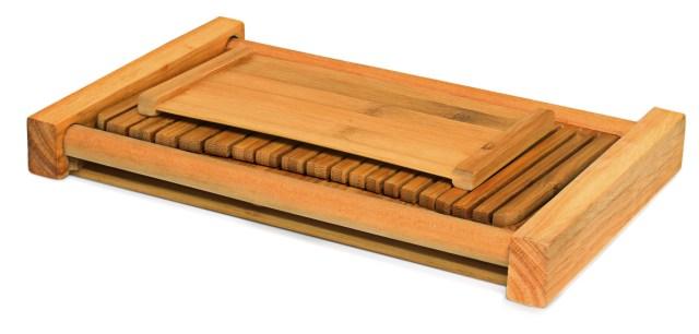 foldable bamboo bread slicer