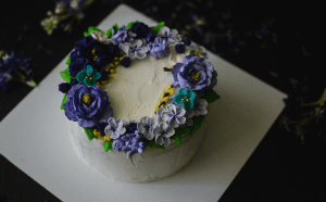Best buttercream flower cakes in Kolkata