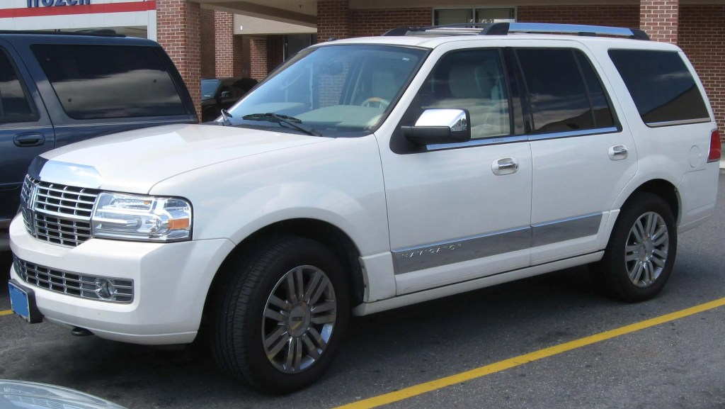 Lincoln Navigator - Used Luxury Cars to Avoid