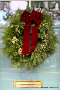 Wreaths & Wrapping with a Simple DIY Project