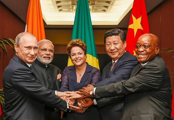 Chinese President Xi Jinping, Russian President Vladimir Putin, Indian Prime Minister Narendra Modi, South African President Jacob Zuma and Brazilian President Dilma Rousseff met in Brisbane, Australia on 15 November 2014 [gov.br]
