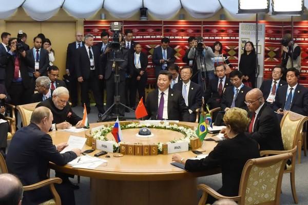 The five leaders of BRICS met in Ufa, Russia on 9 July 2015 [Xinhua]
