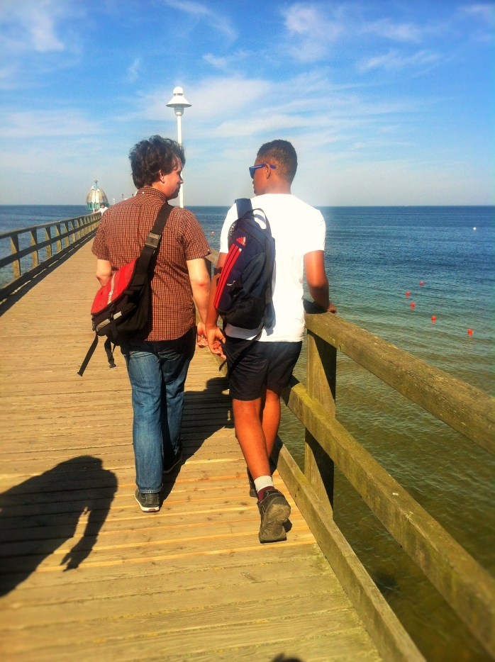 The Music Producer and The Tall Young Gentleman on the pier! 51 reasons to go to the seaside. In Germany!