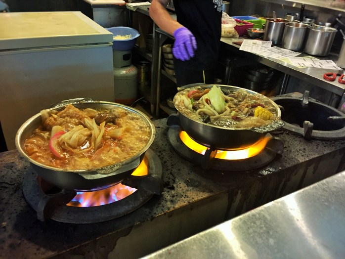 A hotpot for me, and a hotpot for you, at the Shillin Night Market in Taiwan!