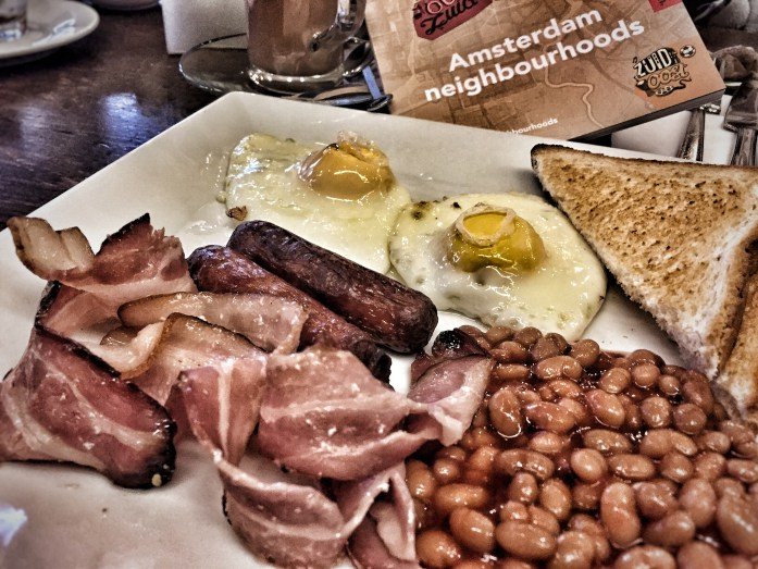 food; meal; a fry-up; English breakfast; English food, eat; toast; sausages; baked beans; bacon; rashers; fried eggs; breakfast; food; British food; UK food; British culture; England; the UK; British; Britain; Europe; travel;