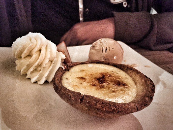The vlaai we had was a sort of mini custard pie, served with whipped cream, and tasty ice-cream!