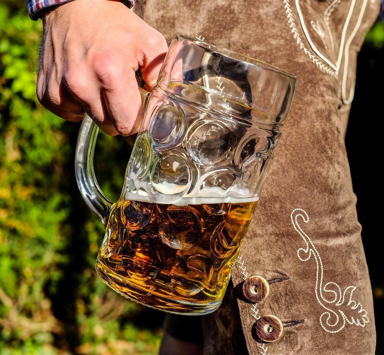 How to be a German; beer; German beer; German drink; German culture; German things; how to live in Germany; Germany; German; Bavaria; beer in Germany is serious; Europe; European; culture; food; food and drink; travel;