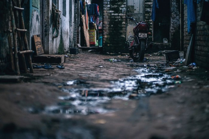 Poverty in India; where to live; where to stay; Indian poverty; India; Indian; poverty; a place to live; house; home; alleyway