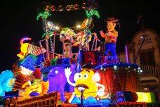 float-parade-toystory-light-disneyland-tokyo-japan-thebroadlife-travel-wander-asia