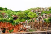 outdoor-activity-scene-disneyland-tokyo-japan-thebroadlife-travel-wander-asia