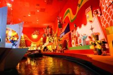 smallworld-fairytales-disneyland-red-thebroadlife-travel-wanderlust-tokyo-japan-asia