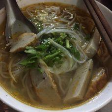 cakesoup-grilledchoppedfish-seafood-quynhon-binhdinh-thebroadlife-travel-vietnam