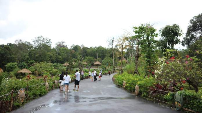 the broad life travels vinpearl safari phu quoc vietnam
