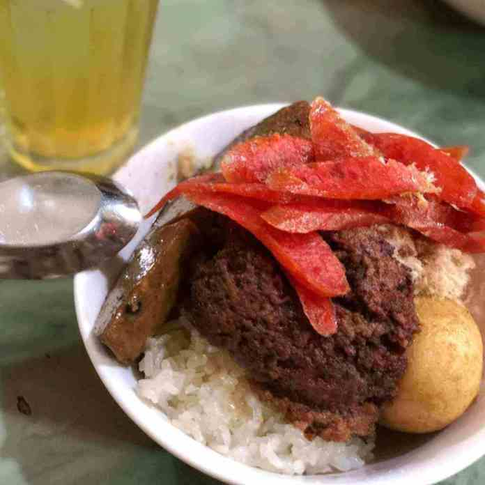 xoi man, or sticky rice, a Hanoi food