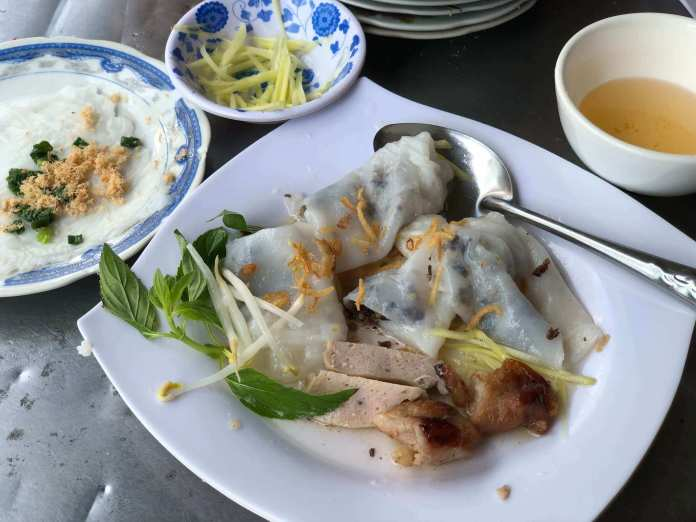 Bánh Cuốn sold at Bánh Đập restaurants also