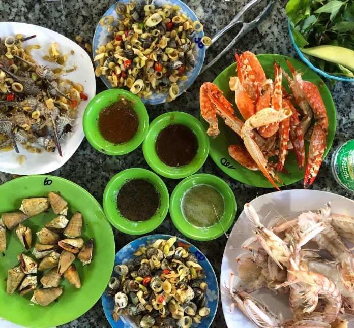 missing Ốc Lương Sơn is a big regret in Nha Trang food tour
