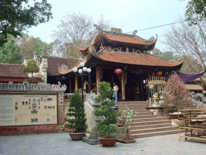 Ba Chua Kho Temple, one of the most well-known temples in Vietnam