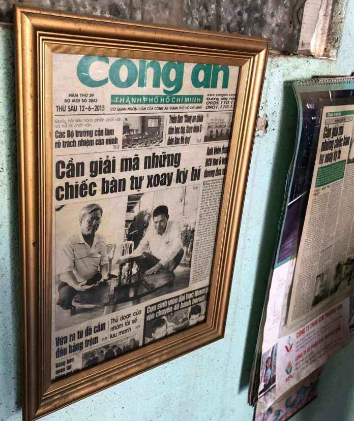 Cong An Newspaper wrote about the table.