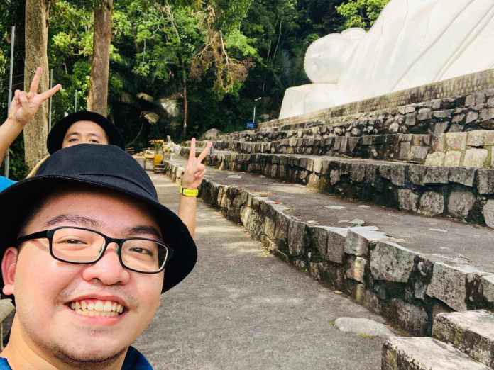 Check-in at the Reclining Buddha at the peak of Ta Cu mountain.