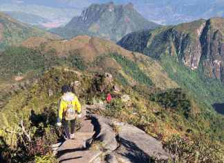 Trekking Bach Moc Luong Tu - The Broad Life
