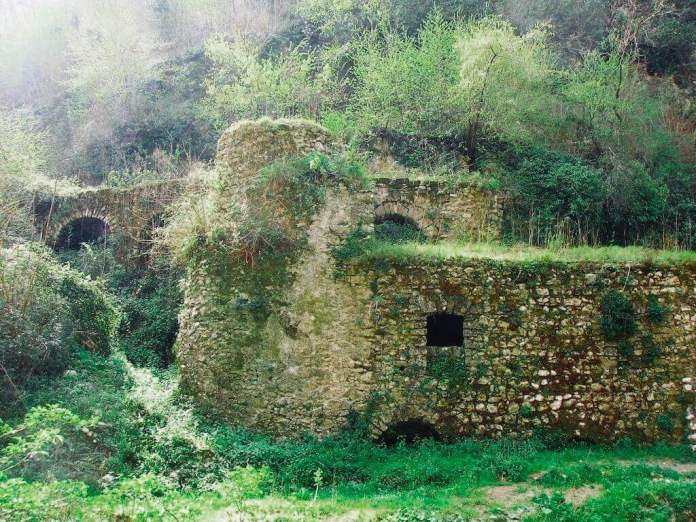 the lost world at valley of the mills, sorrento, italy