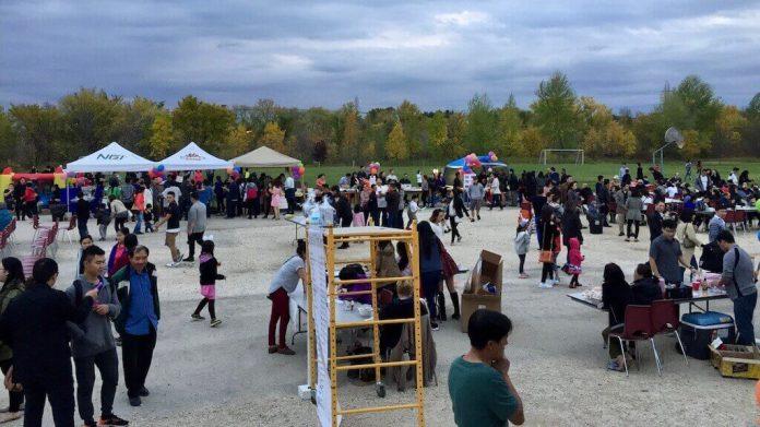 Vietnamese community in Winnipeg, Canada celebrated Mid-Autumn Festival