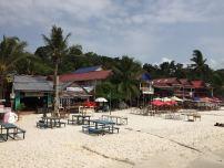 bar-beach-kohrong-thebroadlife-travel-cambodia