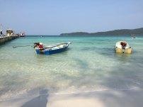 boat-sea-beach-kohrong-samloem-thebroadlife-travel-cambodia-sanloem