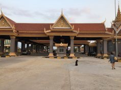 border-gate-xaxia-thebroadlife-travel-hatien-vietnam-cambodia