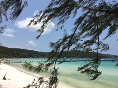 kohrong-samloem-beach-sea-thebroadlife-travel-cambodia-wanderlust