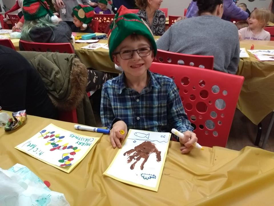 Youth help spread holiday cheer through Seniors Greetings