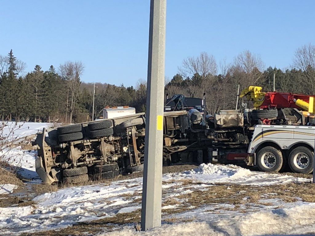 Reach Street in Scugog closed following truck rollover