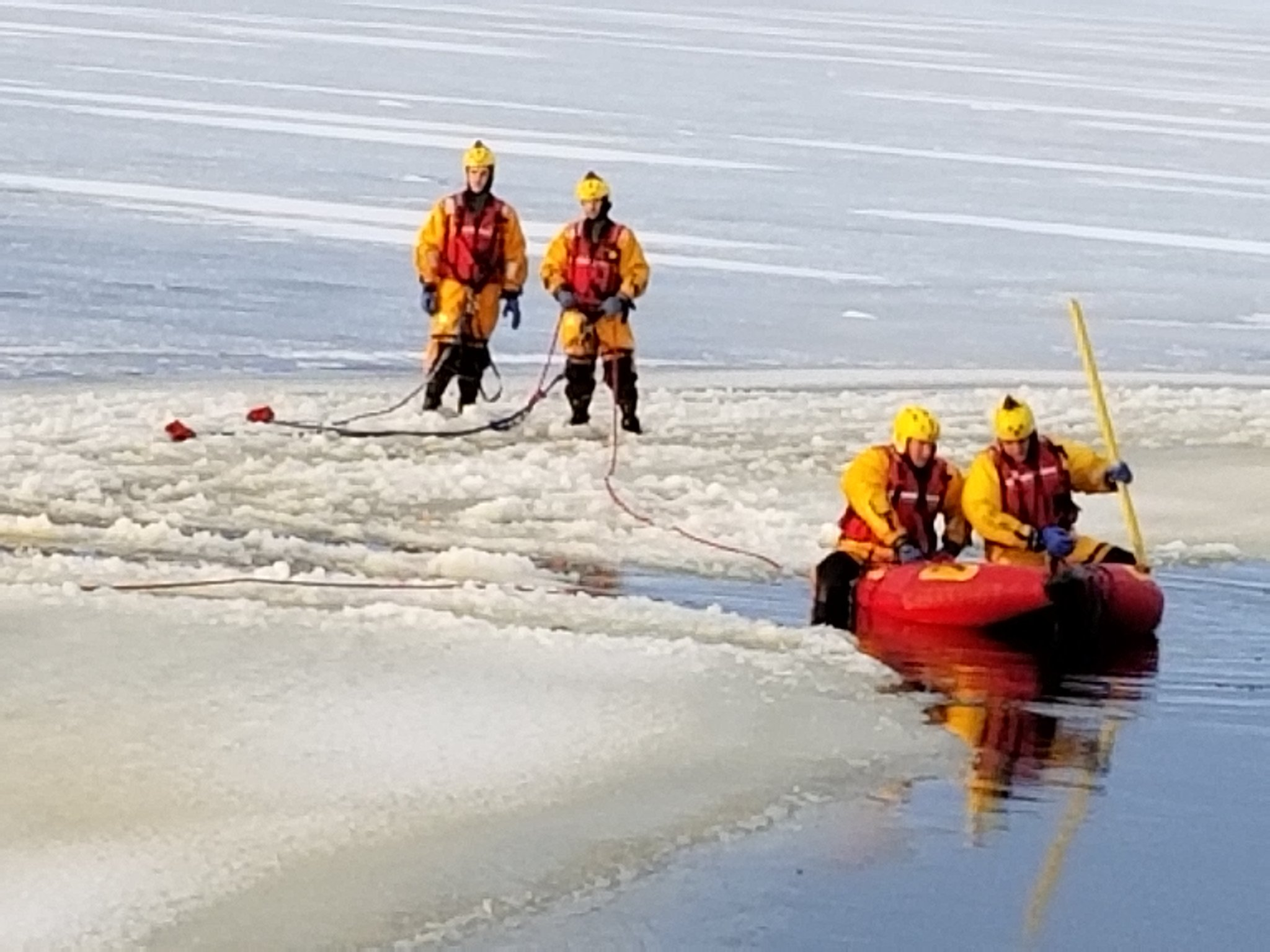 Firefighters search for snowmobiler in Scugog
