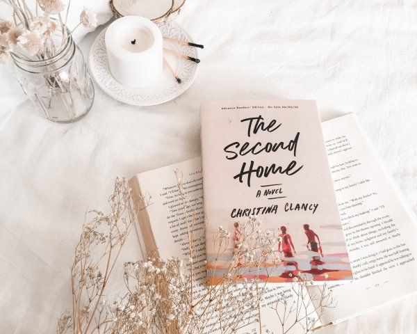 The Second Home by Christina Clancy / Emotional family drama set in Cape Cod