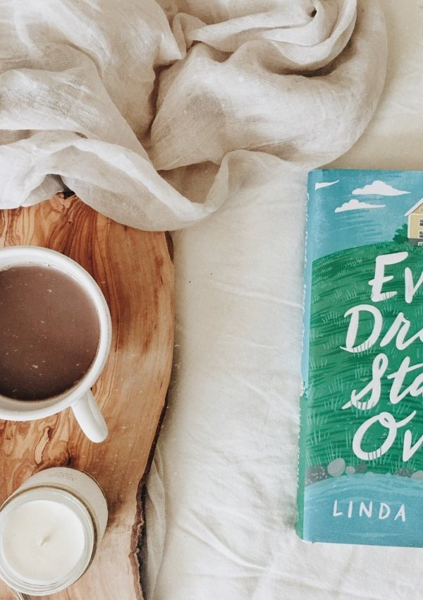 Evvie Drake Starts Over by Linda Holmes / Uplifting small town romance recommendation.