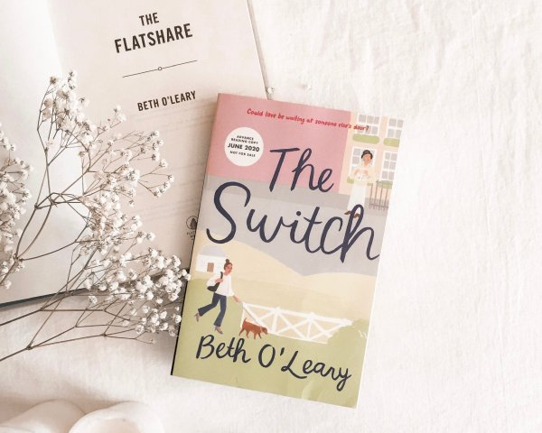 The Switch by Beth O'Leary + Bonus Material / Charmingly British and a true feel good novel