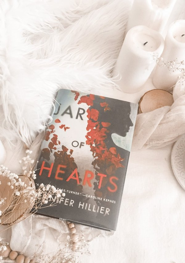 Jar of Hearts by Jennifer Hillier / an unputdownable thriller