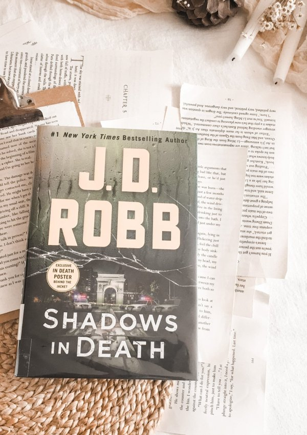 BOOK REVIEW: Shadows in Death by JD Robb / a favorite series that never gets old