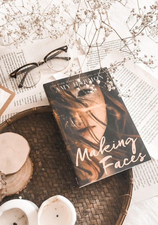 BOOK REVIEW: Making Faces by Amy Harmon / a beautiful and memorable YA novel!