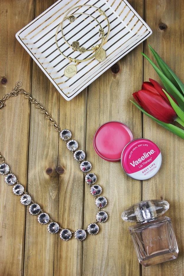 Vaseline-Lip-Tins-The-Brunette-One-8