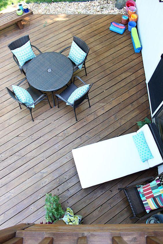 staining cedar columns the brunette one. Black Bedroom Furniture Sets. Home Design Ideas